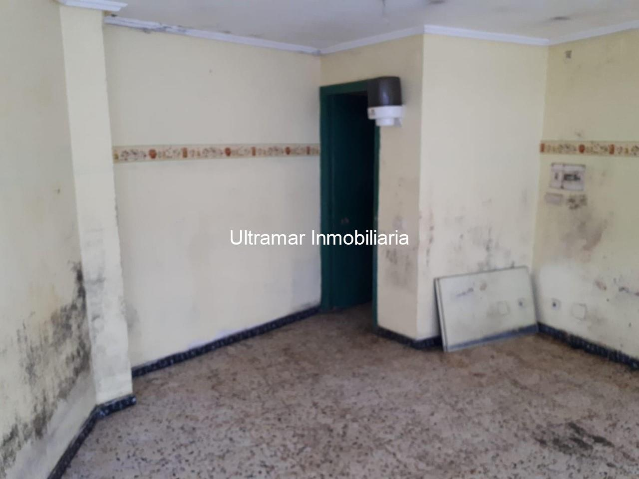 Foto 4 Local comercial en venta en Ultramar